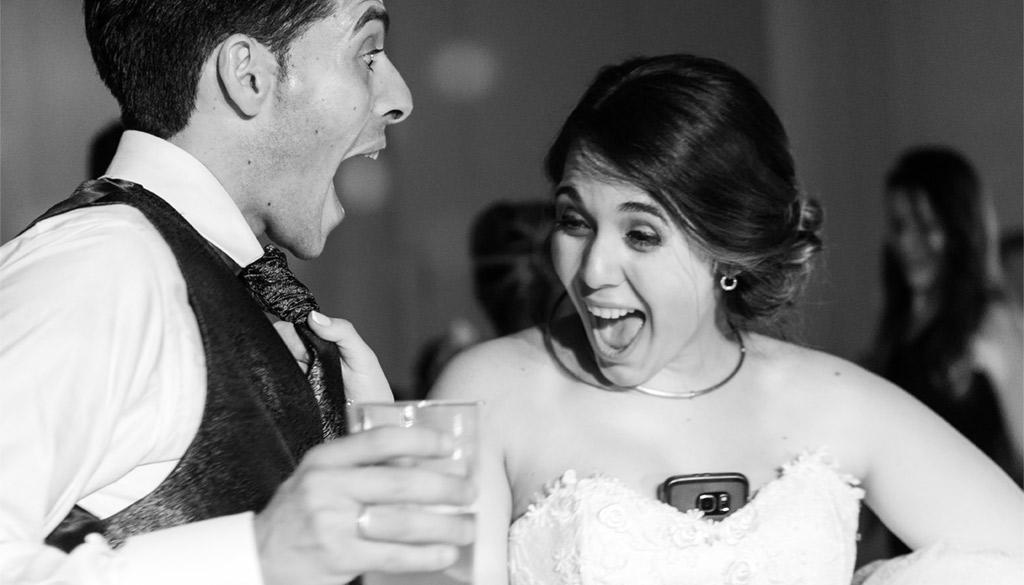 Los novios pasando en grande en su boda en Zaragoza