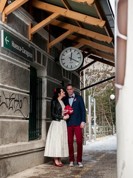 La postboda invernal en la estación de Canfranc con Claudia y Aitor